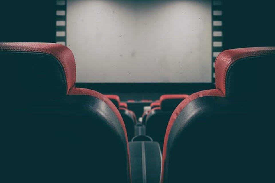 カップルシートがある映画館の設備
