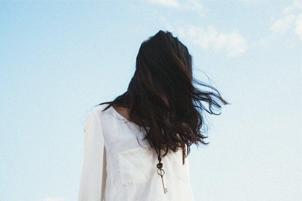 パーマがかかりやすい髪質の女性