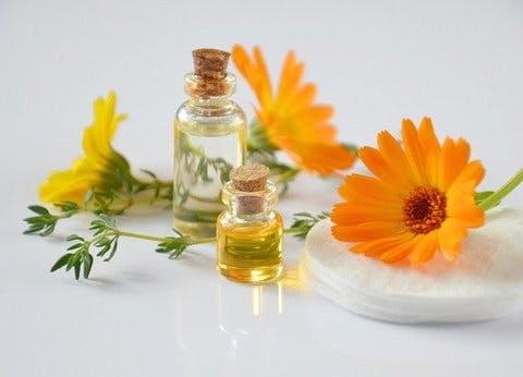 Medium essential oils 2738555 640