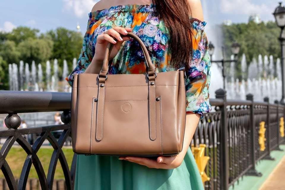 100均で買ったバッグインバッグで綺麗に整理されたバッグ