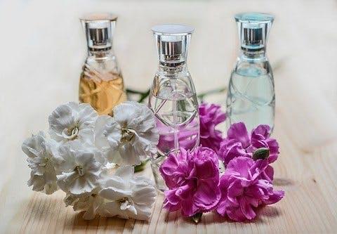 Medium perfume 1433653 640