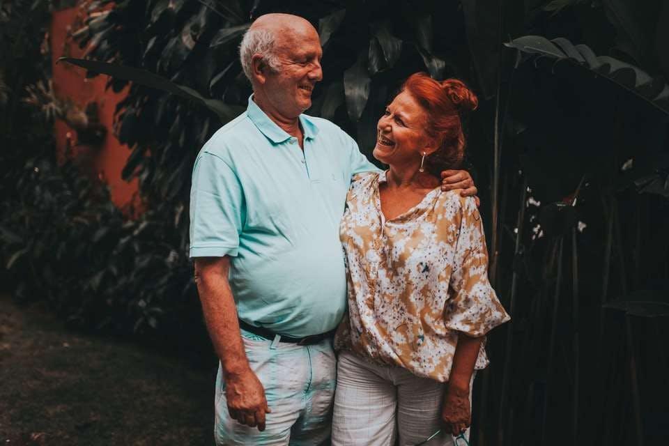 笑いあう子なし夫婦の老後