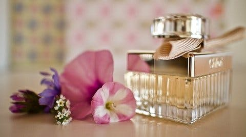 Medium perfume 4498254 640