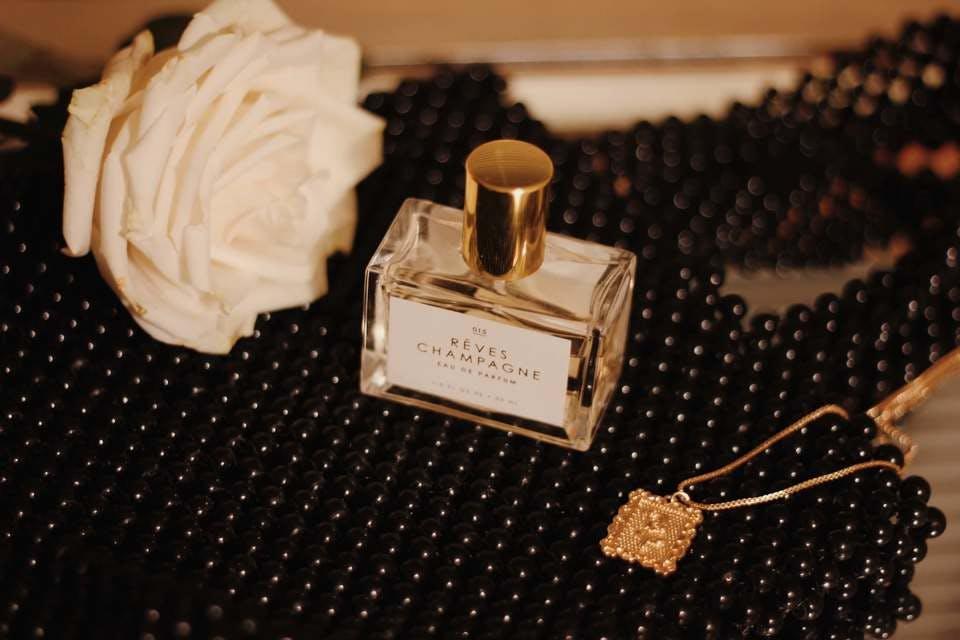 アクセと香水収納