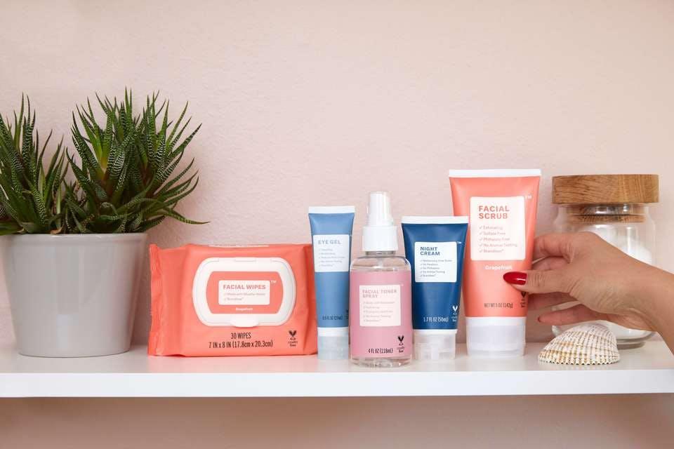 収れん化粧水おすすめ16選!コスパ◎のプチプラ優秀品&正しい使い方