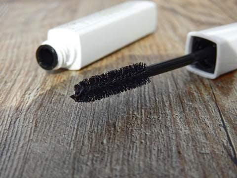 Medium cosmetics 2116367 1920