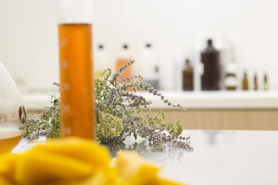 ビタミンC誘導体入りの収れん化粧水