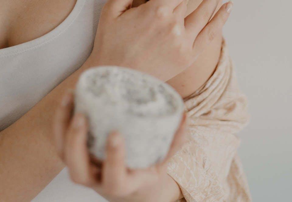 垂れ乳予防マッサージ