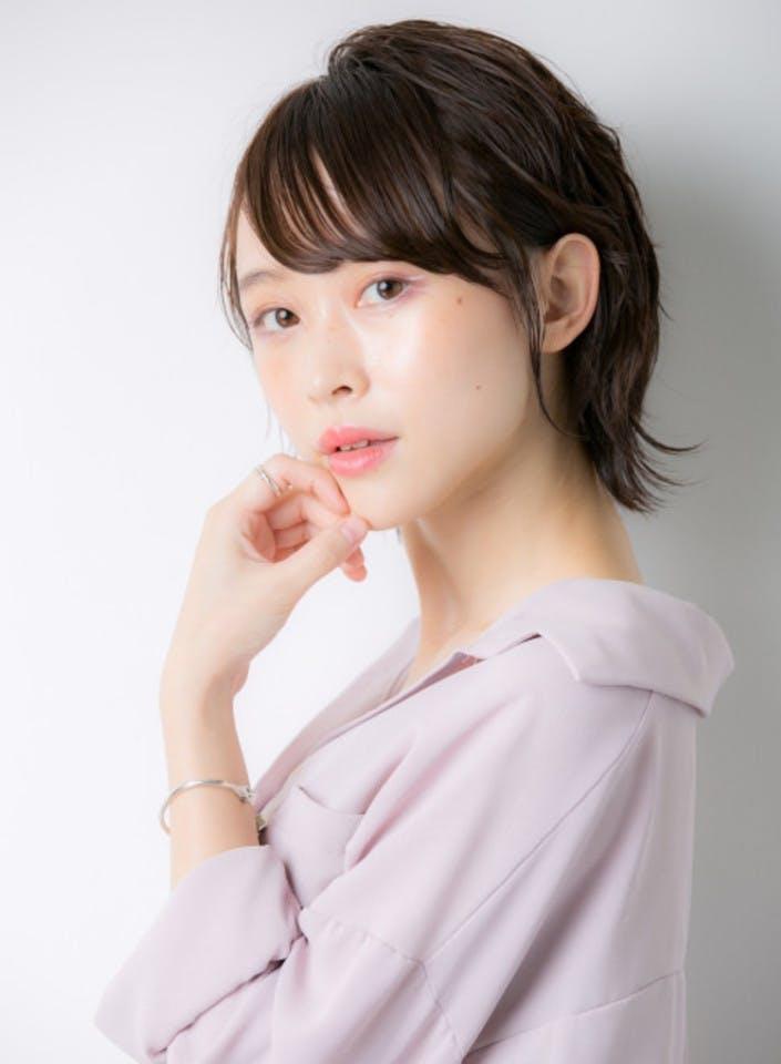 【プロ監修】すっぴん美人の特徴とメイク美人との違い!素肌を磨くおすすめ化粧品5選