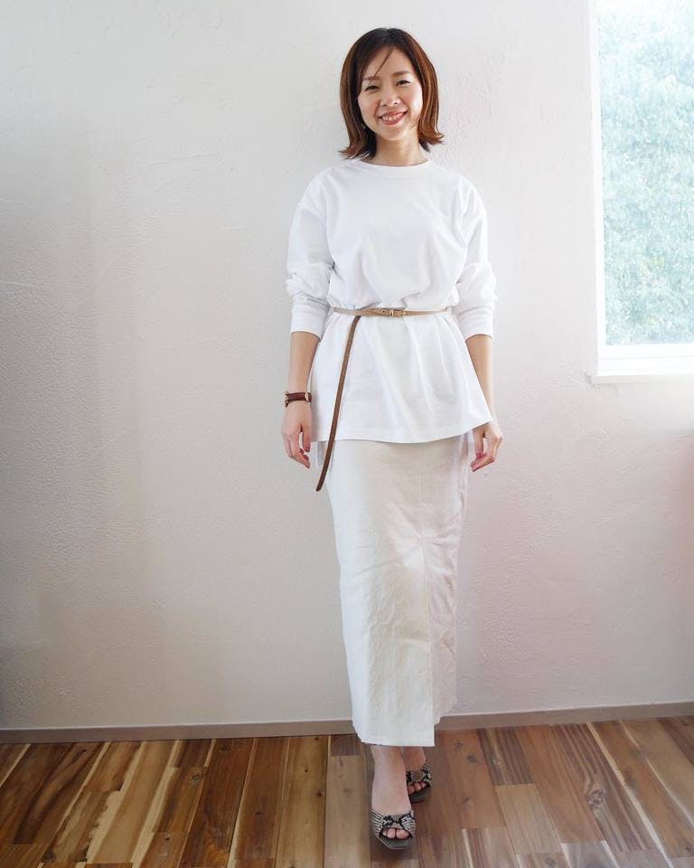 白Tシャツをスタイルよく着こなすコーデ