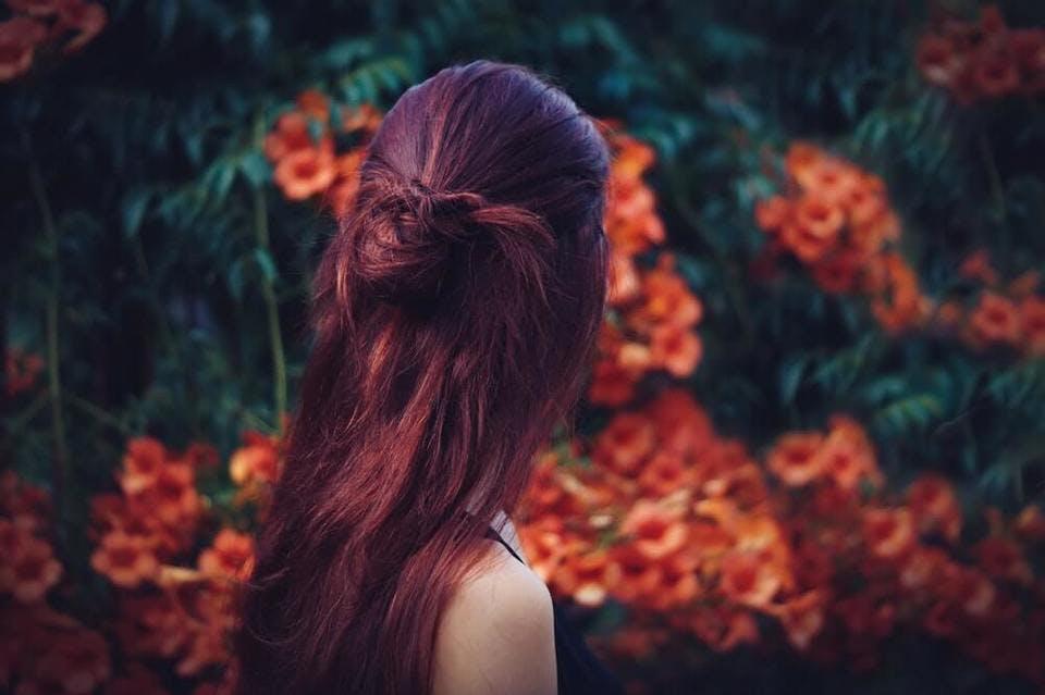 湿気で髪がうねるのを改善するアイテム