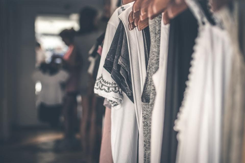 ファッションレンタルがおすすめな人のクローゼット