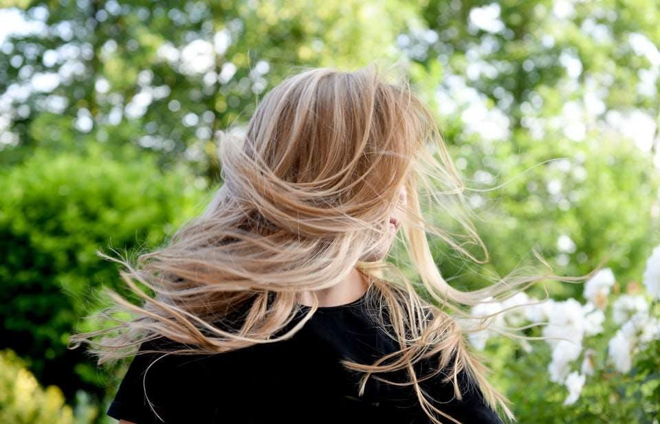 小顔の前髪にしたい女性