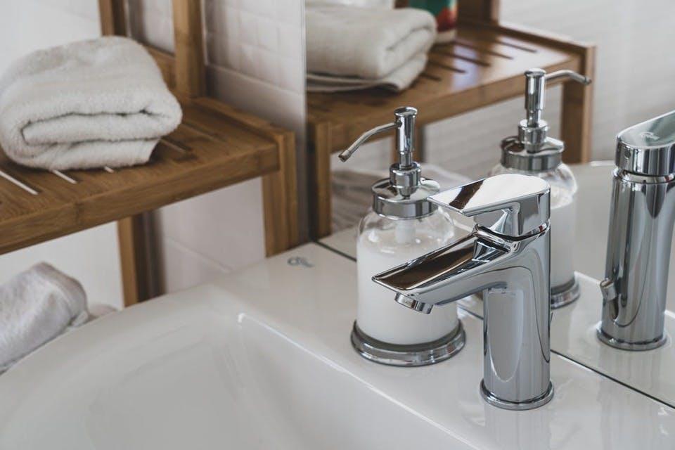 コスパの良い洗顔ネットのある洗面所