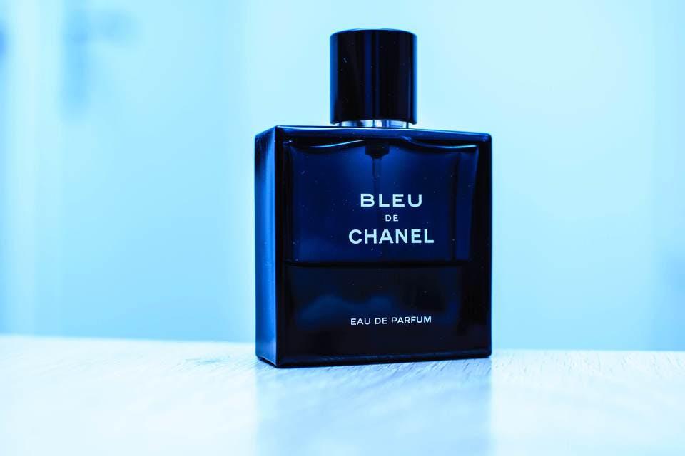 男性用のユニセックス香水
