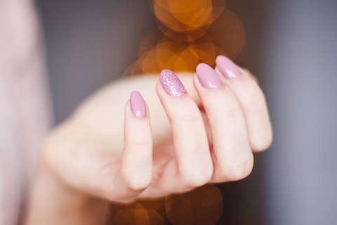 Medium pink manicure 939836  1