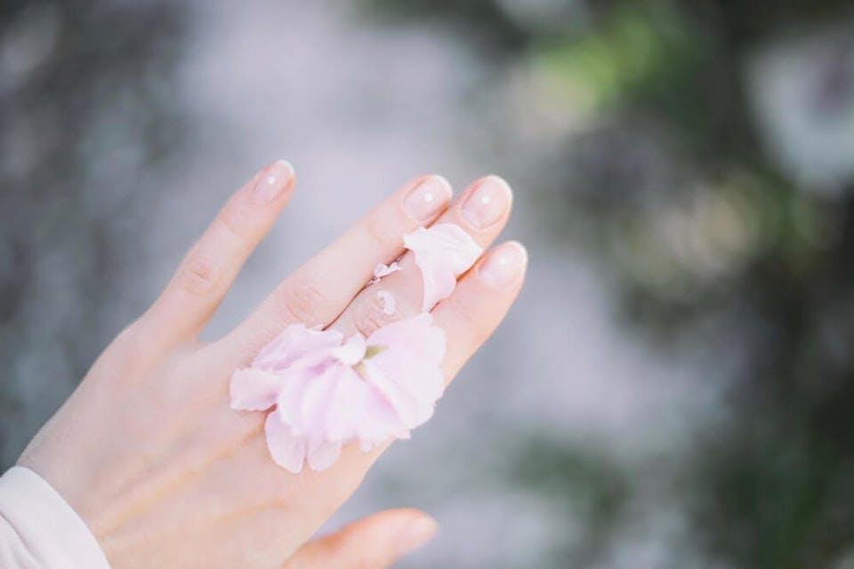 3D ネイル 淡いピンク