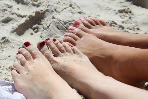 Medium feet 492549 960 720