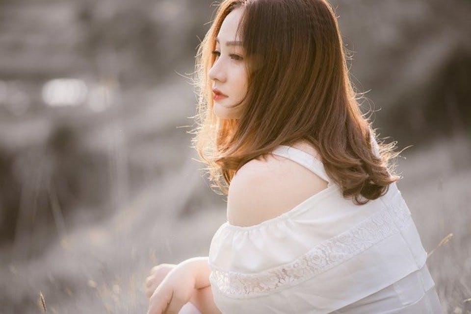 色白の女性の髪型