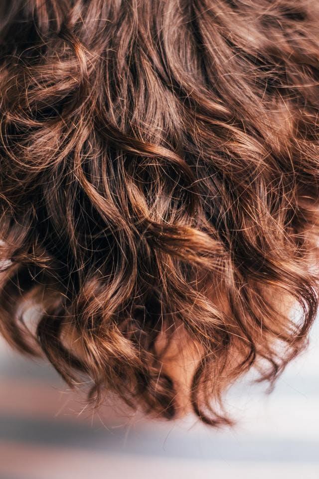 髪の毛が伸びる速さはどれくらい?髪の毛を速く伸ばす生活習慣5つ