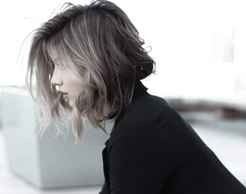石田ゆり子風の髪型の人